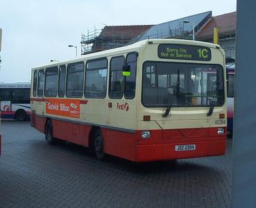 45394 - JDZ2394 - Fareham (bus station) - 30.4.04
