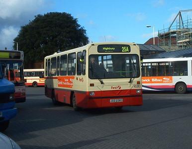 45383 - JDZ2383 - Fareham (bus station) - 7.2.04