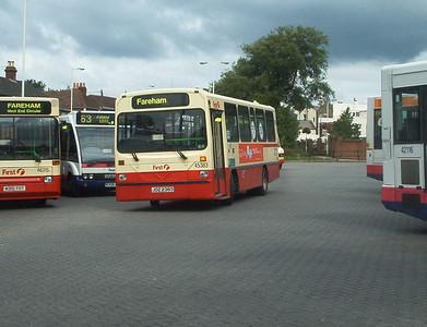 45383 - JDZ2383 - Fareham (bus station) - 9.7.04