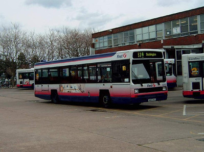 62643 - H643YHT - Gosport (bus station) - 11.4.06