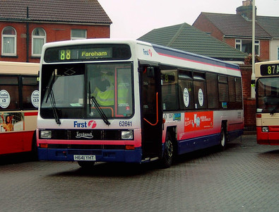 62641 - H641YHT - Fareham (bus station) - 28.8.04