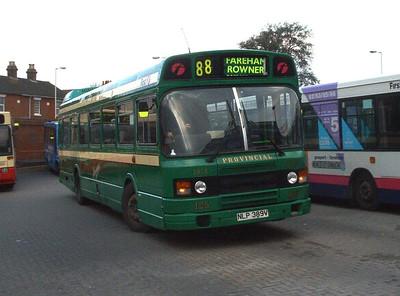 432 - NLP389V - Fareham (bus station) - 20.4.04