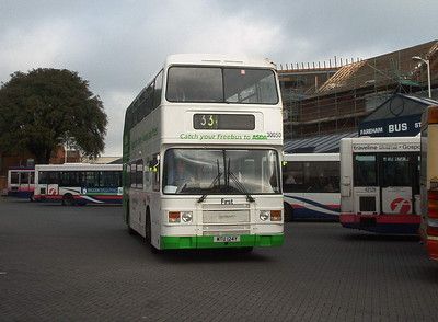 30050 - MTU124Y - Fareham (bus station) - 2.4.04