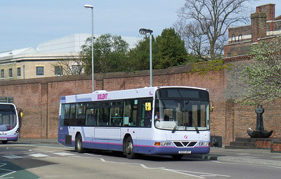 66122 - S122UOT - Portsmouth (Queen St) - 12.4.14