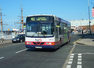 66172 - W372EOW - Portsmouth (The Hard) - 24.4.04
