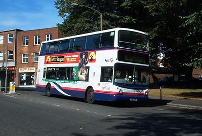 32041 - W811EOW - Southampton (city centre) - 21.9.03