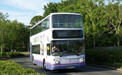 32035 - W805EOW - Locks Heath (centre)