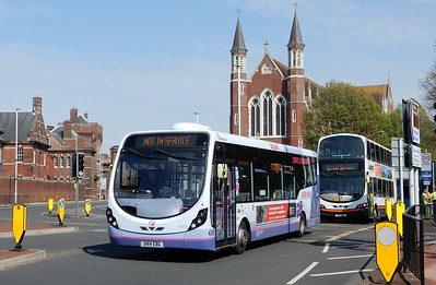 47573 - SN14EBG - Portsmouth (Queen St)