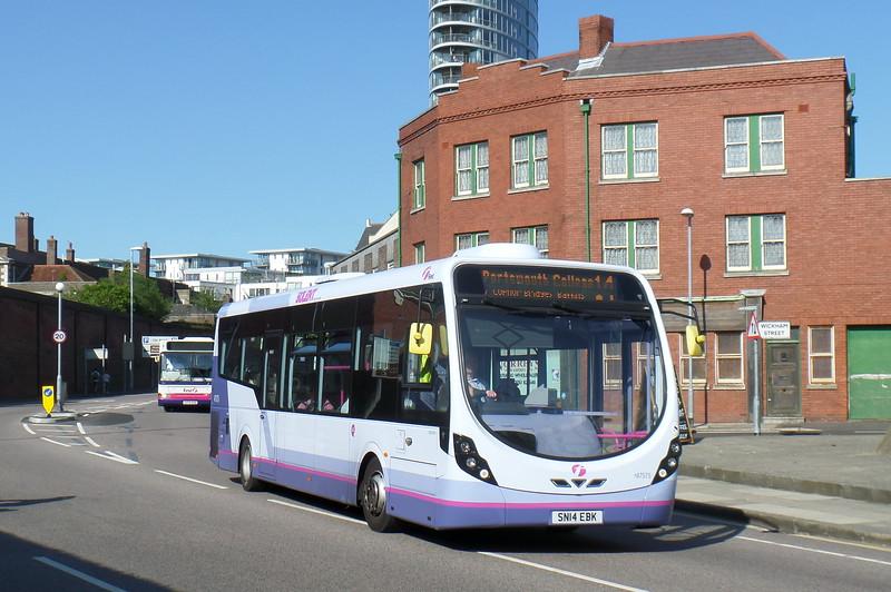 47575 - SN14EBK - Portsmouth (Queen St)