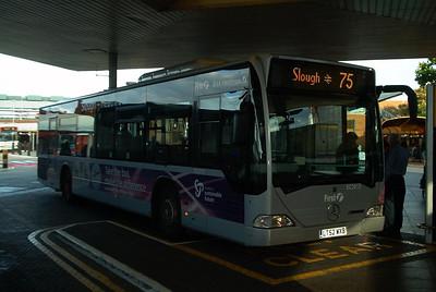 64013 - LT52WXB - Heathrow Airport (bus station) 30.10.03