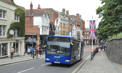 64015 - LT52WXN - Windsor (Thames St) - 16.8.12