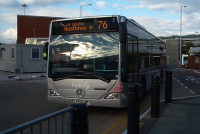 64019 - LK03LNF - Heathrow Airport (bus station) 30.10.03