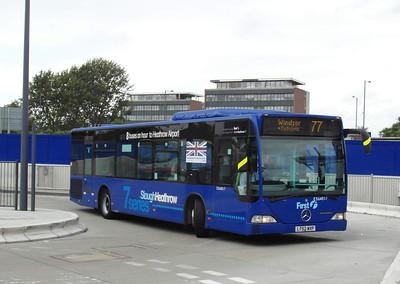 64017 - LT52WXP - Slough (bus station) - 16.8.12