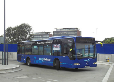 64015 - LT52WXN - Slough (bus station) - 16.8.12