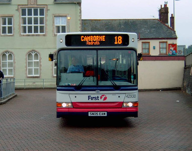 42930 - SN05EAM - Truro (bus station) - 27.7.05