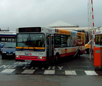 42928 - SN05EAG - Camborne (bus station) - 27.7.05