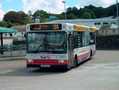 42927 - SN05EAF - Truro (bus station) - 2.8.06