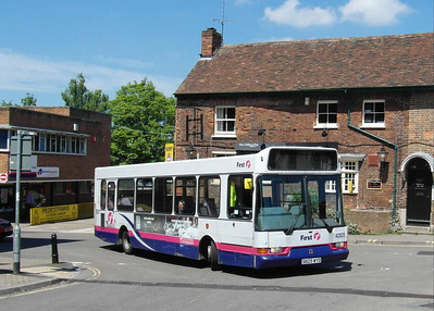 42825 - S825WYD - Taunton (Castle Way) - 31.5.13