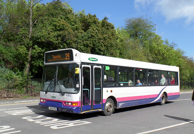 42832 - V832DYD - Taunton (railway station) - 8.4.14