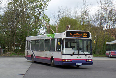 42834 - V834DYD - Taunton (bus station) - 8.4.14