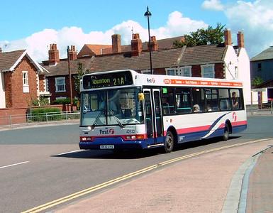 42832 - V832DYD - Bridgwater (bus station) - 30.7.07
