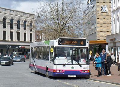 42833 - V833DYD - Taunton (Parade) - 8.4.14