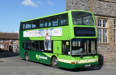 32954 - X954HLT - Taunton (Castle St)
