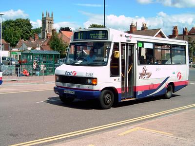 51589 - N889HWS - Bridgwater (bus station) - 30.7.07
