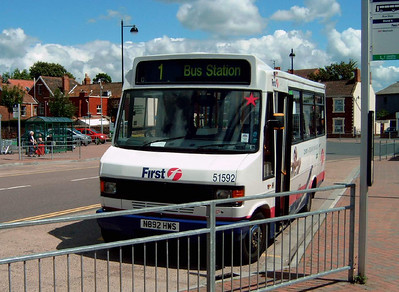 51592 - N892HWS - Bridgwater (bus station) - 30.7.07