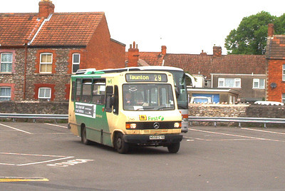 51658 - N558EYB - Wells (bus station) - May 2003