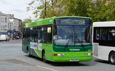 40593 - YG02DHY - Taunton (parade)