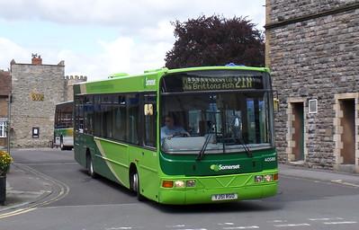 40588 - YJ51RGO - Taunton (Castle Way)