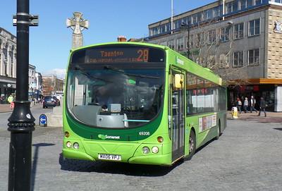 69208 - MX06VPJ - Taunton (Parade)