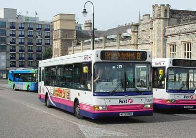 42951 - WX06OMH - Bristol (Temple Meads railway station) - 11.8.12