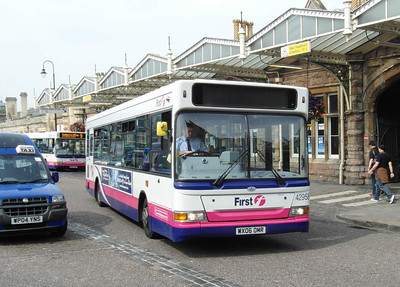 42958 - WX06OMR - Bristol (Temple Meads railway station) - 11.8.12