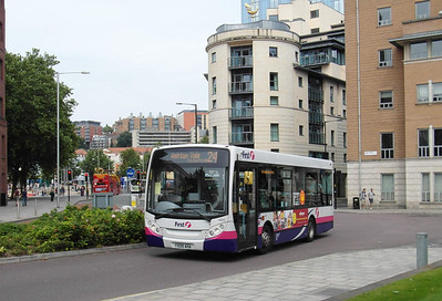 44915 - YX09AHA - Bristol (Prince St) - 11.8.12