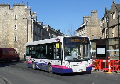 44917 - YX09AHD - Bath (St James's Parade)