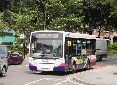44914 - YX09AGZ - Bristol (Rupert St) - 11.8.12