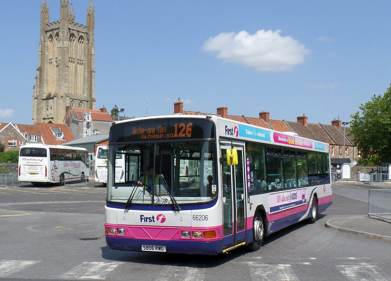 66206 - S806RWG - Wells (bus station) - 30.7.14