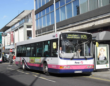 66172 - W372EOW - Weston-super-Mare (high street) - 26.10.11