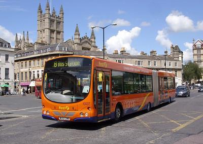 10037 - W122CWR - Bath (Northern Parade) - 15.6.09
