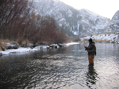 Unnamed angler fishes the Weber River on a snowy day in November 2006.  Photo by Paul Thompson