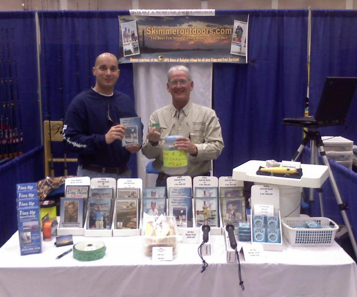 1-26-2008<br /> Al and Dave have been working the show at Farmingdale University. Stop on by and check out their workshop at 3:30 pm. Come by the booth and fill out a free chance to win a DVD of your choice. Yesterdays winner was Paul Zummo.