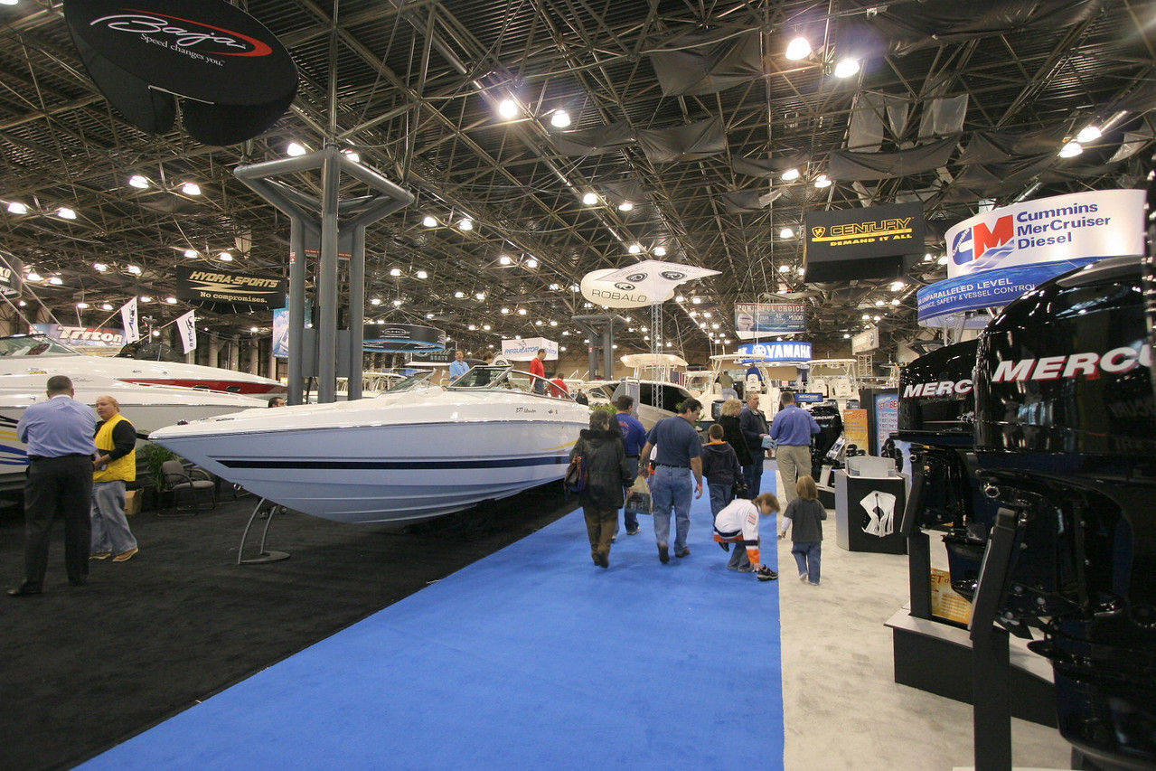 """<p>New York Boat Show 2007</p> <p> <a href=""""http://www.skimmeroutdoors.com/fishing%20articles/new%20york%20boat%20show%202007.html""""> Click Here to see the clips</a></p>"""