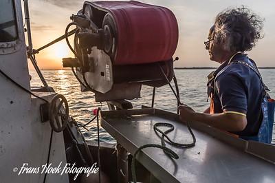 Sunrise aboard the Katwijk-2 in the North Sea. Zonsopgang aan boord van de de Katwijk-2 op de Noordzee