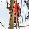 Into the mast / In de mast