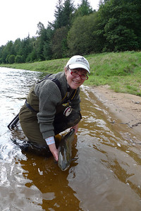 Gill Donkin returning salmon at Ballogie.