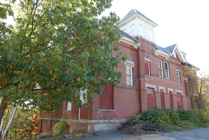 The former school on 260 Rollstone St. will be demolished in the next two to three weeks. The school on Rollstone was built prior to 1900 and has a decaying interior that is still stable, Director of Community Development Larry Casassa said. SENTINEL & ENTERPRISE/JOHN LOVE