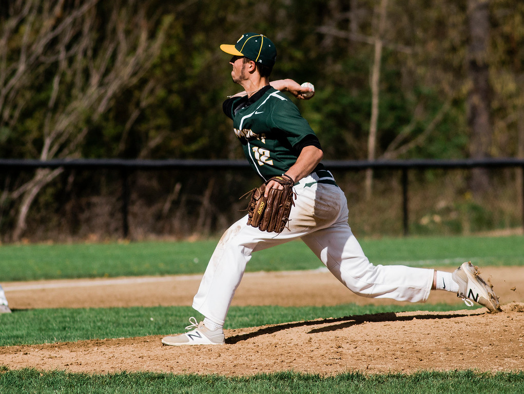. Oakmont pitcher Tim O\'Connor delivers a pitch during the game against Fitchburg on Wednesday, May 10, 2017. SENTINEL & ENTERPRISE / Ashley Green