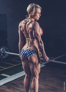 IFBB Physique Pro bodybuilder Suzi Wiggins